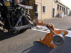 enkelplog med hjul för smala traktorer dp 35