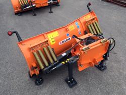 frontalt snöblad med universell platta till traktor ln 175 a