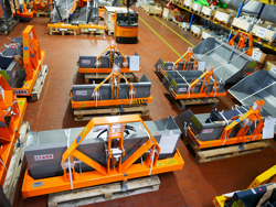 pri 140 l hydraulisk transportskopa med tipp traktorer 18 45 hk