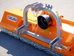 slagklippare betesputsare 140cm för traktor med justerbar sidoförskjutning och hammarslagor 30 60 hk puma 140