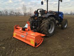mellantung jordfräs för traktor arbets bredd 150cm manuell sidoförskjutning mod dfm 150