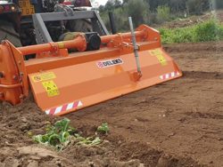 tung jordfräs för traktorer bandgående traktorer arbets bredd 135cm mod dfh 135
