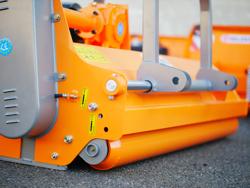 slagklippare med hammarslagor för traktorer med reversibel montering hydraulisk sidoförskjutning för plantager mod rino 140 rev