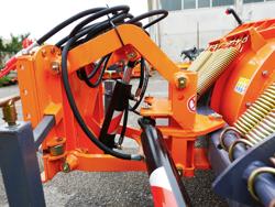 frontalt snöblad med universell platta till traktor ln 250 a