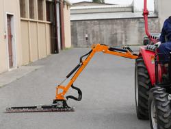 armklippare med skyttelkran til traktor airone 130 tr