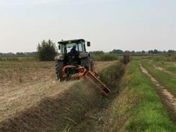 släntklippare med lucka för traktorer alce 180
