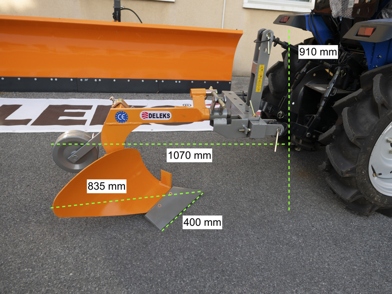 enkel-plog-med-hjul-för-traktorer-som-yanmar-iseki-dp-20