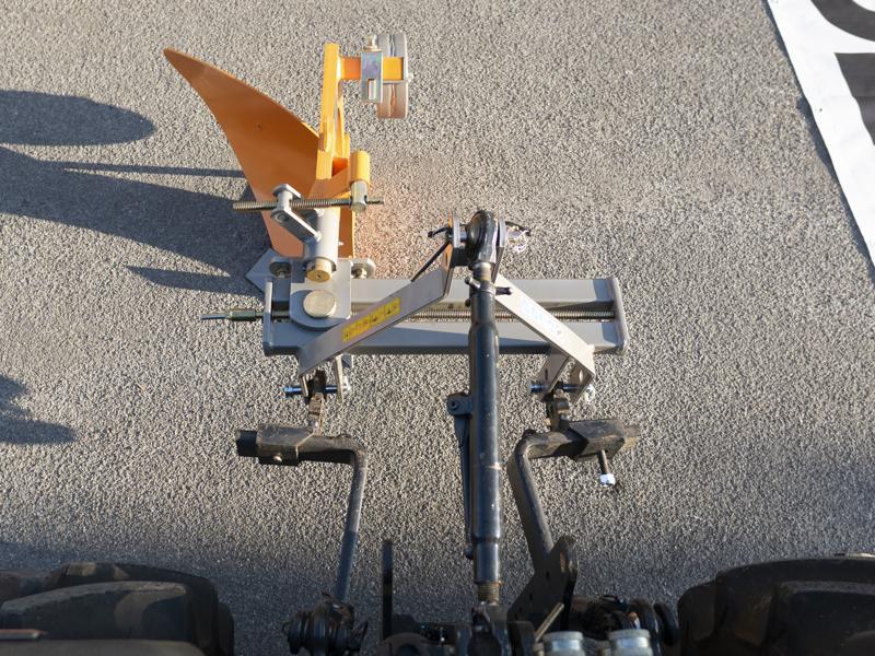 enkelplog-med-hjul-för-smala-traktorer-dp-35