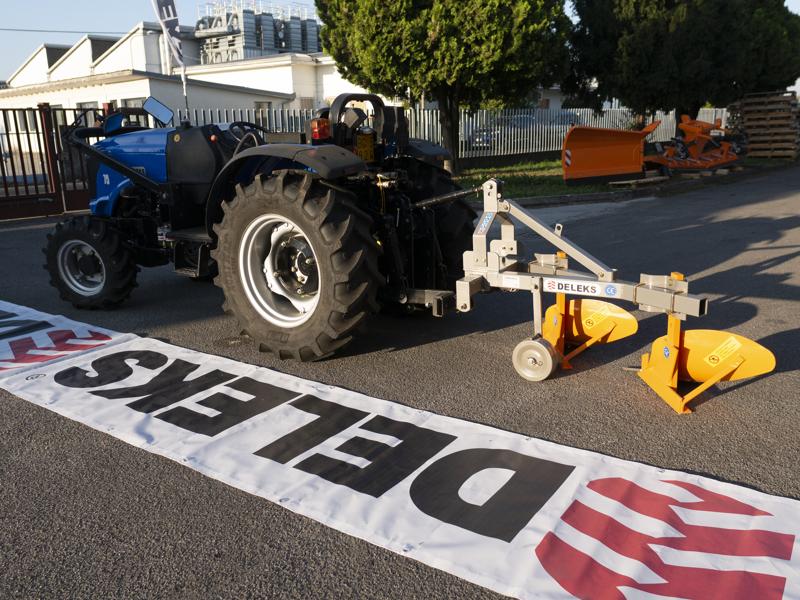 dubbel-plog-för-traktorer-som-carraro-ddp-30