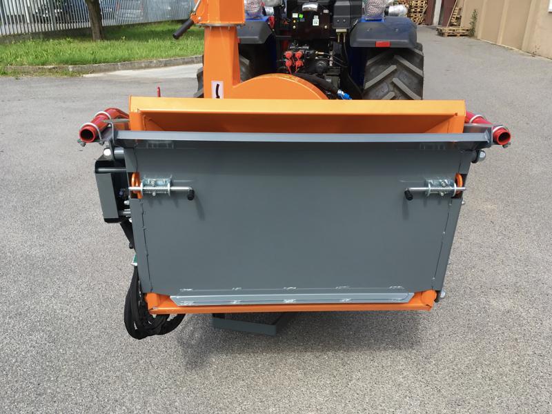 professionell-hydraulisk-disk-opererande-flistugg-til-traktor-mod-dk-1800