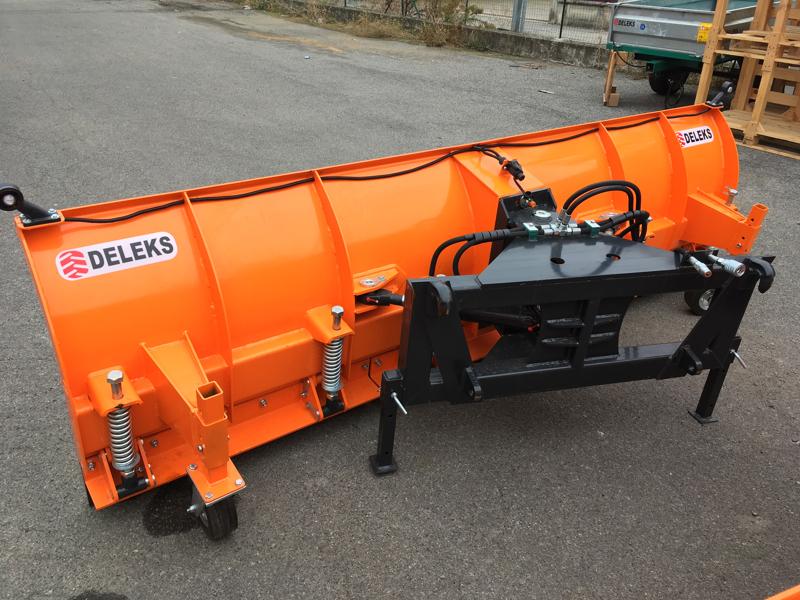 tung-snöplog-för-traktor-med-frontlastare-ssh-04-2-2-e