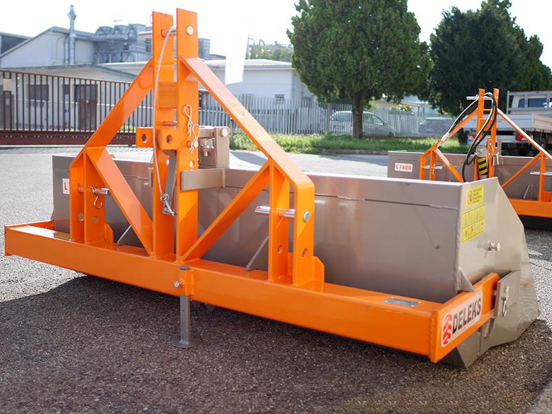 manuell-skopa-med-tipp-til-traktorer-prm-200-h