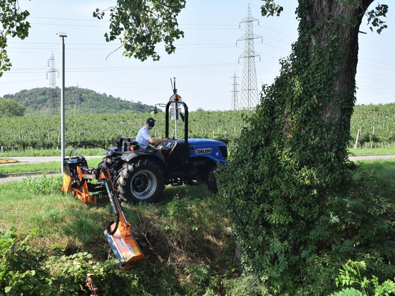 armklippare-med-skyttelkran-til-traktor-airone-100