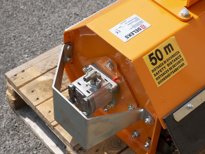slyröjare-100cm-för-mini-grävemaskiner-hydraulisk-släntklippare-mod-ar-100