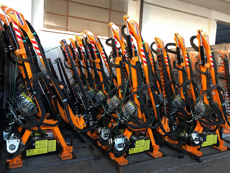 hydraulisk-gren-och-häck-klipper-til-traktor-falco-160