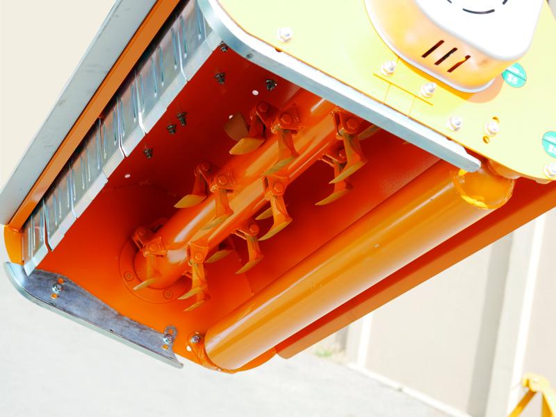 slagklippare-betesputsare-med-justerbar-sidoförskjutning-flerbruks-med-hammarslagor-lince-sp165