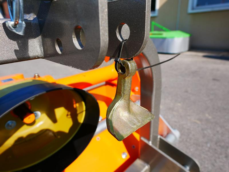 slagklippare-betesputsare-med-justerbar-sidoförskjutning-flerbruks-med-hammarslagor-lince-sp140
