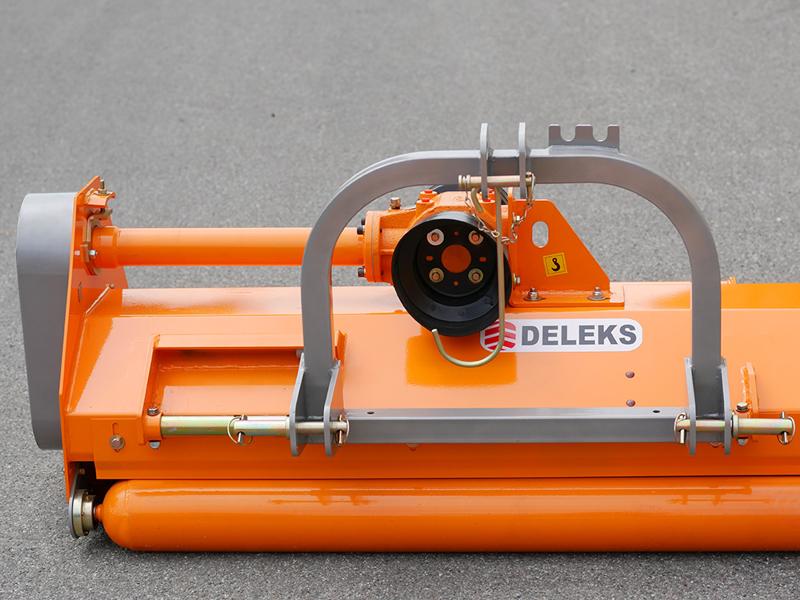 vändbar-slagklippare-beteputsare-med-sidoförskjutning-arbetsbredd-140-cm-för-smala-traktorer-mod-puma-140-rev