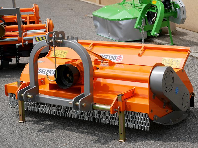 slagklippare-med-justerbar-offset-betespussar-med-hammarslagor-för-traktorer-med-60-90hk-tigre-200