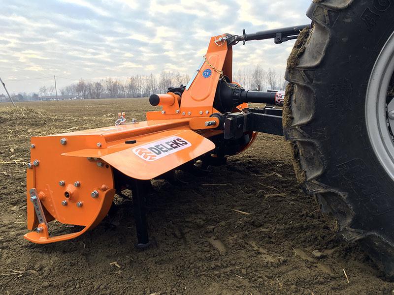 mellantung-jordfräs-för-traktor-arbets-bredd-150cm-manuell-sidoförskjutning-mod-dfm-150