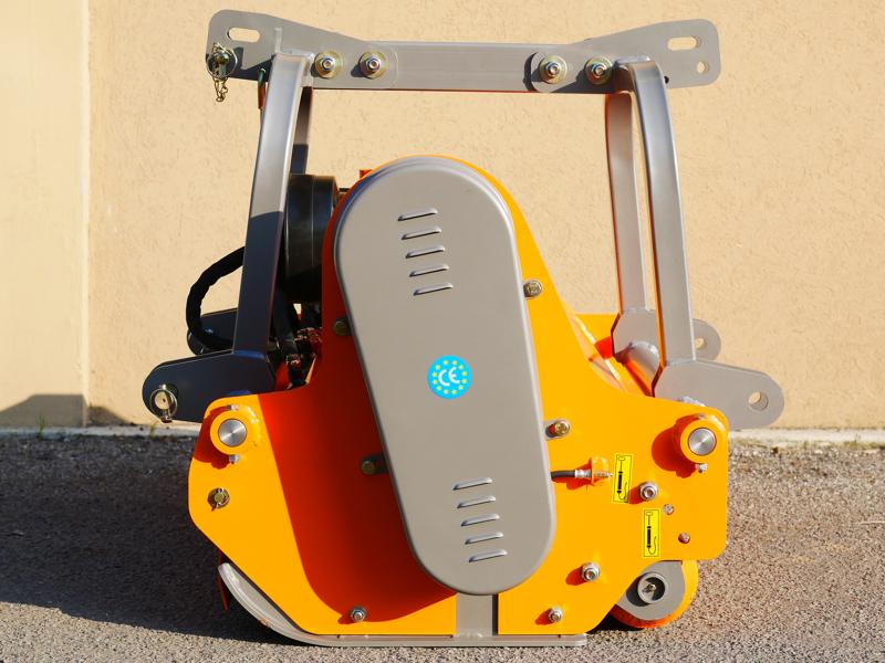 slagklippare-robust-slaghack-betesputsar-med-justerbar-sidoförskjutining-för-traktorer-med-50-90hk-mod-rino-160