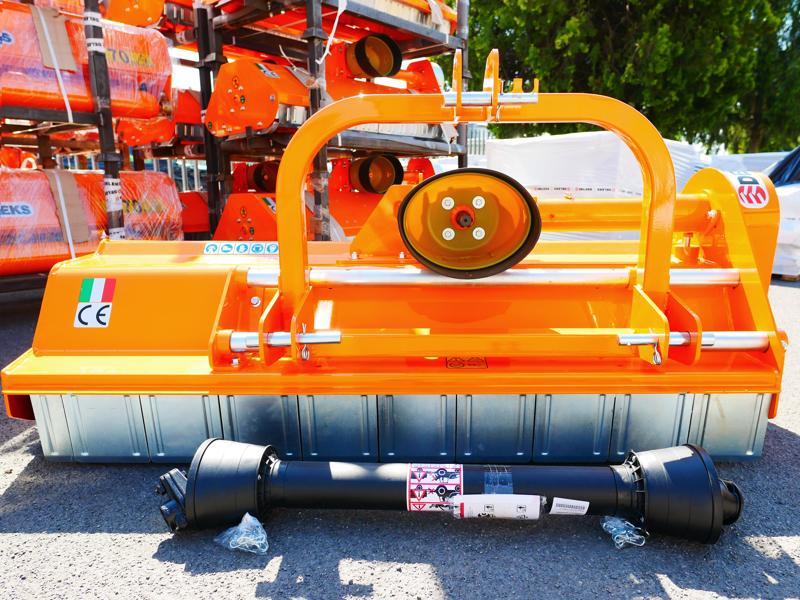 slagklippare-140cm-för-traktor-med-justerbar-sidoförskjutning-och-hammarslagor-30-70-hk-leopard-140-sp