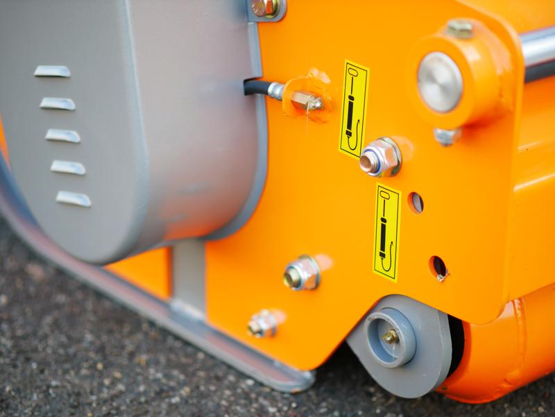 slagklippare-med-hammarslagor-för-traktorer-med-reversibel-eller-frontal-montering-mod-rino-200-rev