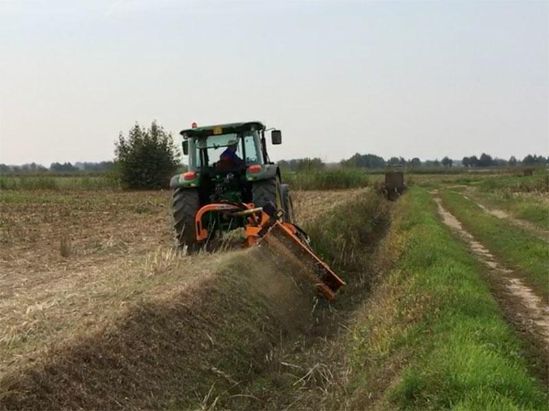 släntklippare-med-lucka-för-traktorer-alce-220