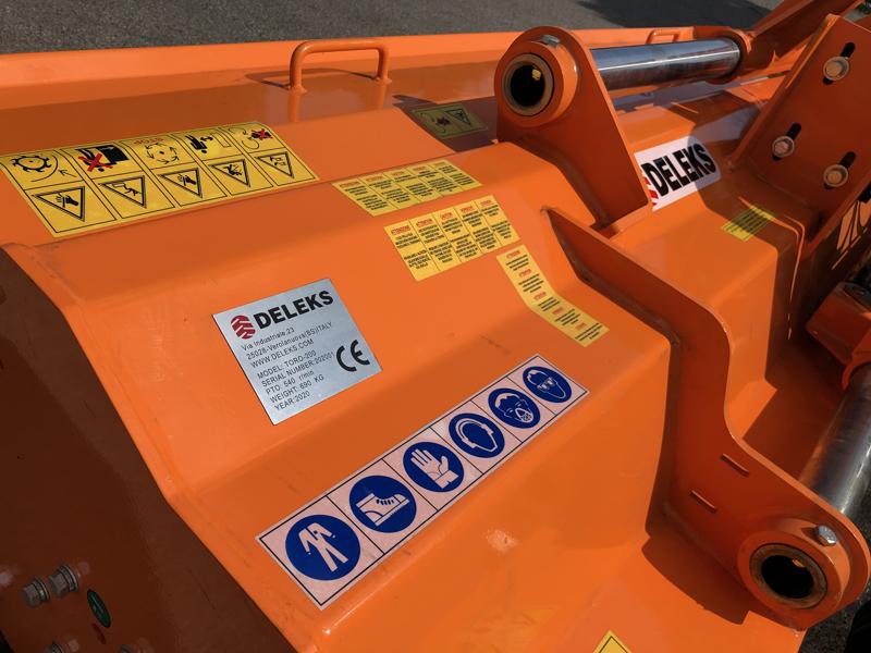 slagklippare-för-traktor-med-justerbar-sidoförskjutning-toro-240