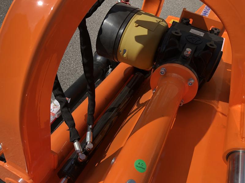 slagklippare-för-traktor-med-justerbar-sidoförskjutning-toro-200