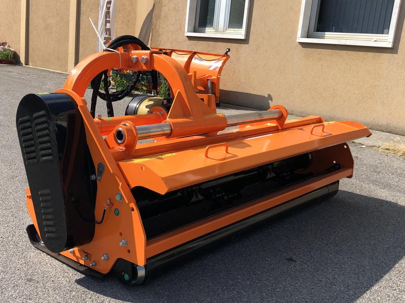 slagklippare-för-traktor-med-justerbar-sidoförskjutning-toro-220