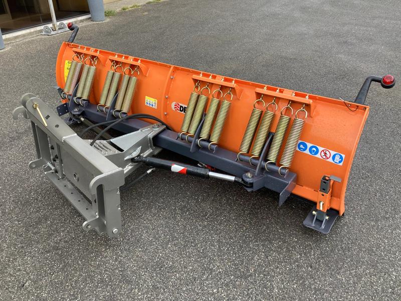 frontalt-snöblad-med-3-punkts-fäste-till-traktor-ln-250-c