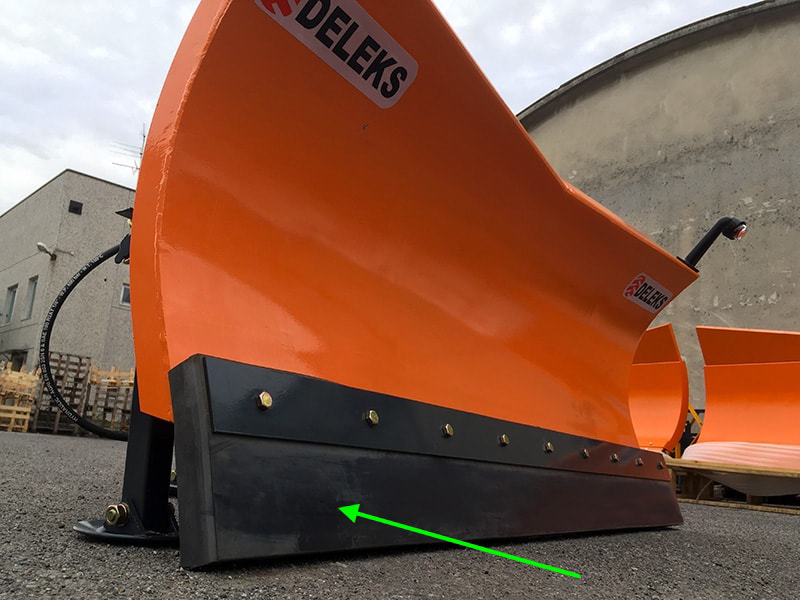 frontalt-snöblad-med-universell-platta-till-traktor-ln-250-a