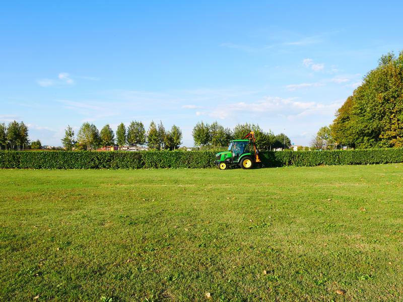 hydraulisk-gren-och-häck-klipper-til-traktor-falco-160-h